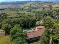 Luxury villas for sale in Siena