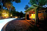 Villa for sale with swimming pool in Roccamare