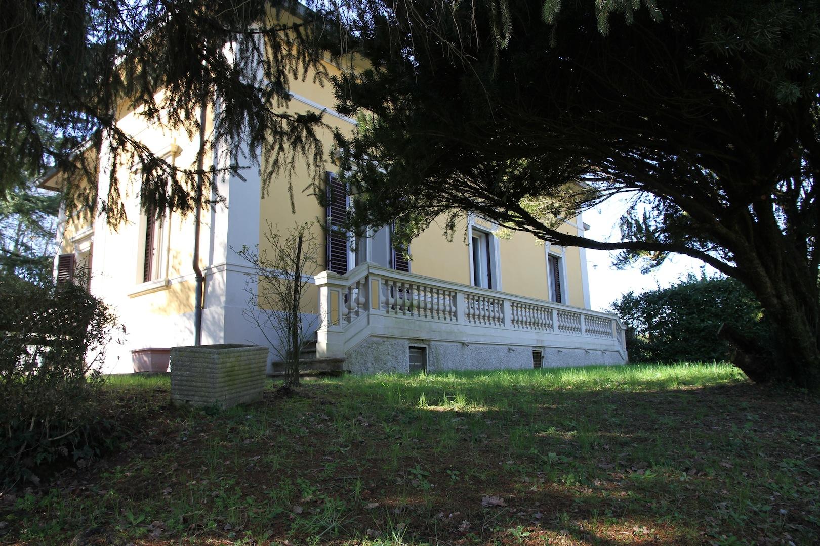 Villa di lusso stile liberty in vendita arezzo toscana for Immobili lusso vendita