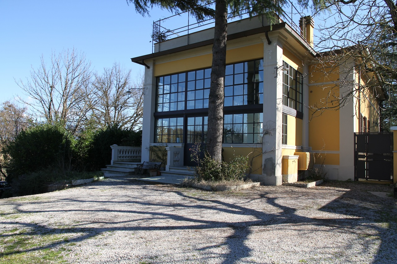 Villa di lusso stile liberty in vendita arezzo toscana for Vendita immobili di lusso milano