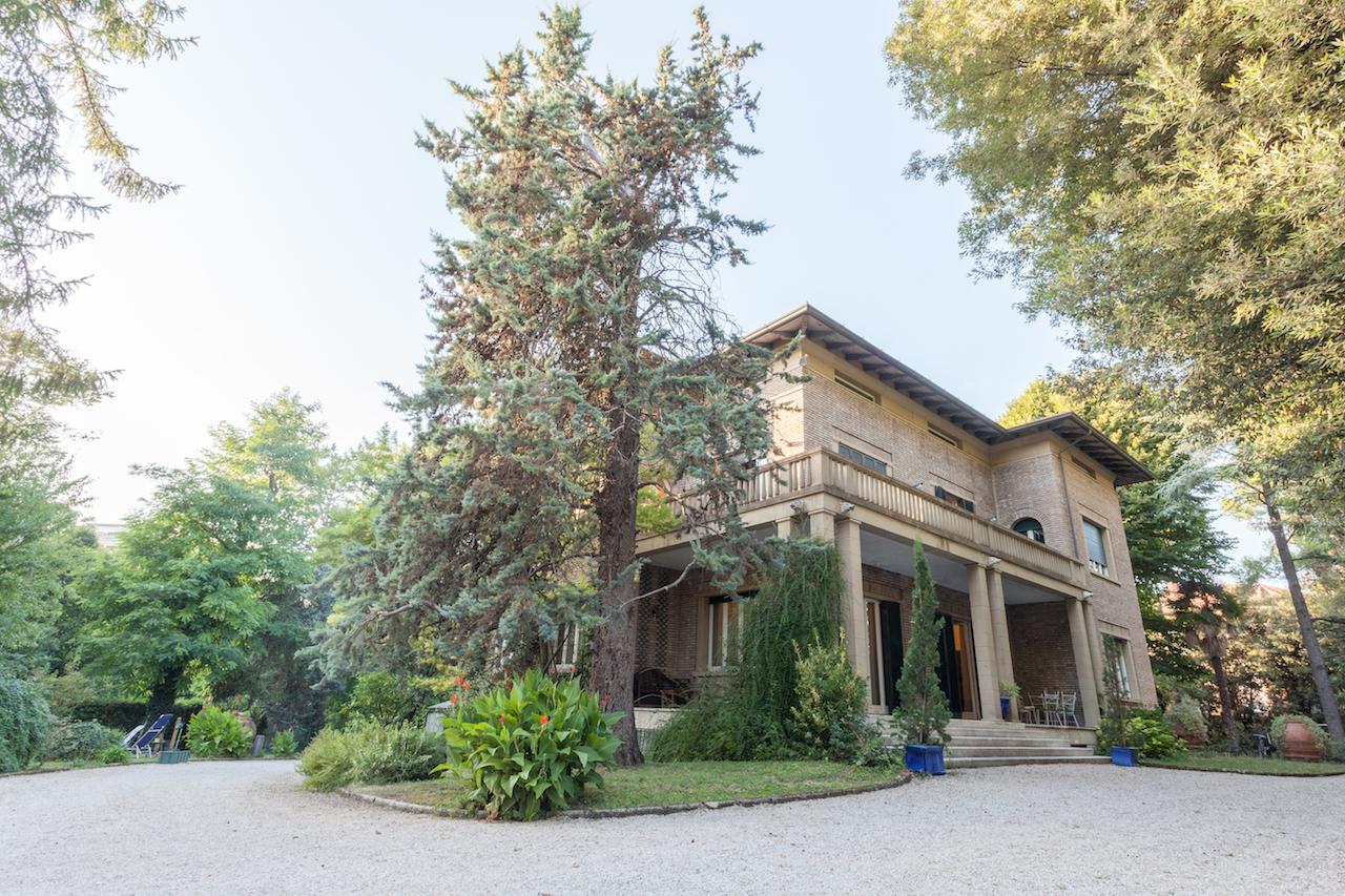 Vendita villa di lusso sul mare di fano pesaro urbino for Disegni di ville