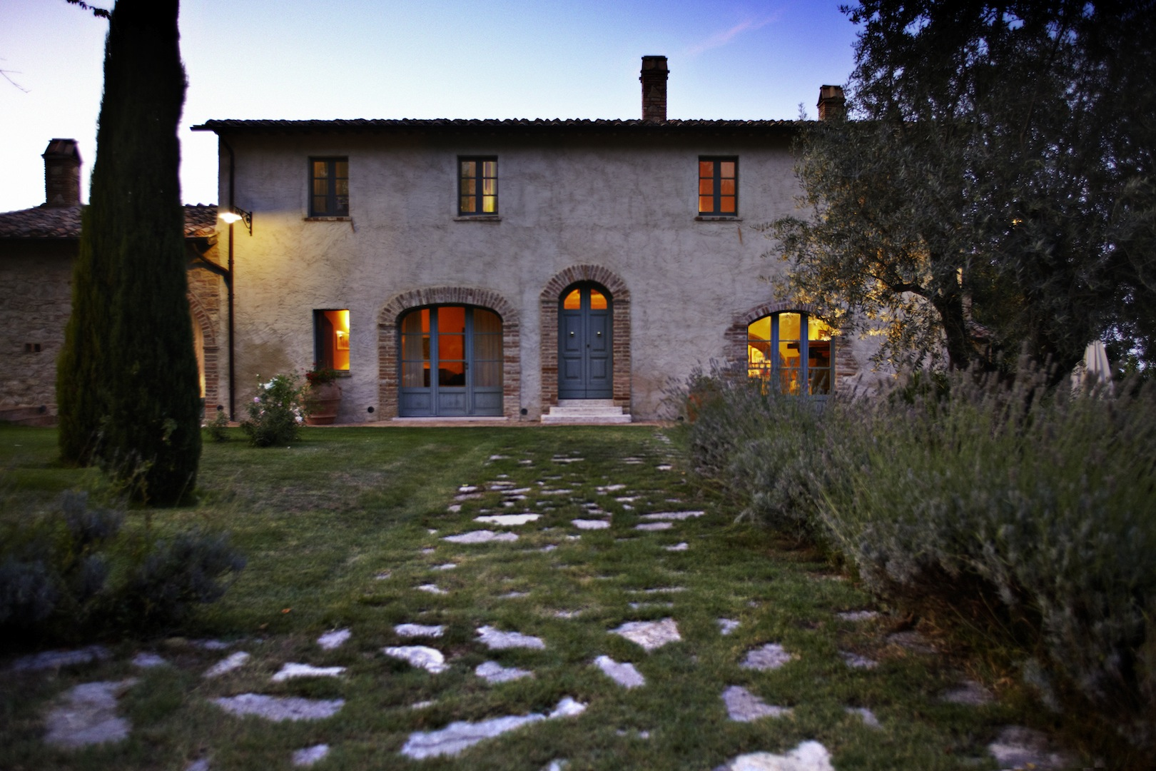 Casali di lusso in vendita a cetona siena toscana for Ville e casali