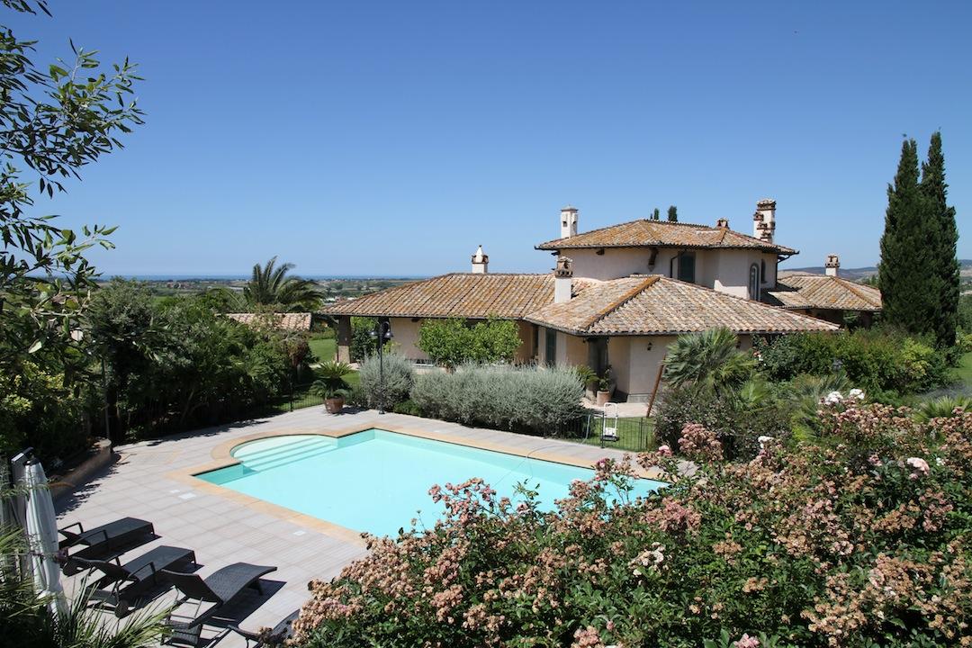 Vendita villa di lusso con piscina mare cerveteri roma - Villa con piscina roma ...