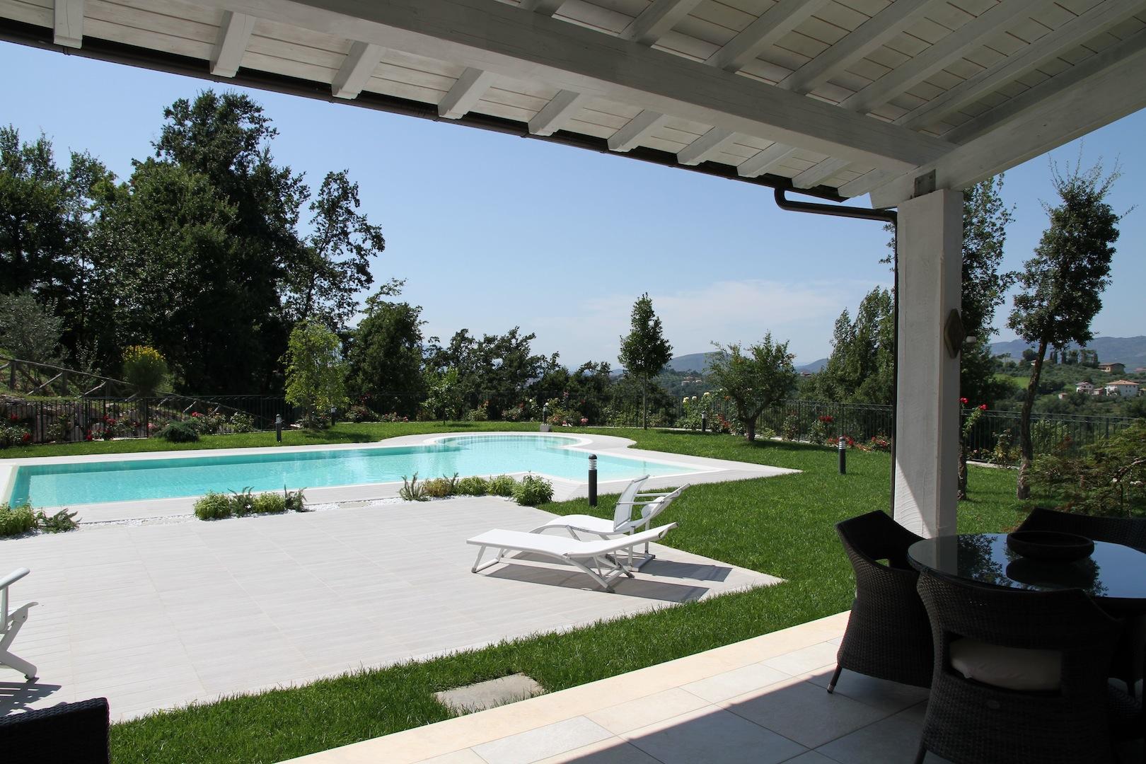 Villa di lusso con piscina a frosinone frosinone lazio italia ville casali vendita - Ville con piscina in vendita ...