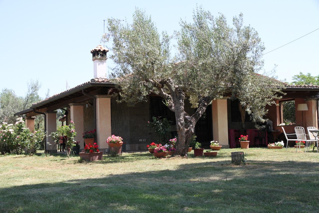 Casa in vendita sul lago di bracciano roma lazio for Casa milano vendita