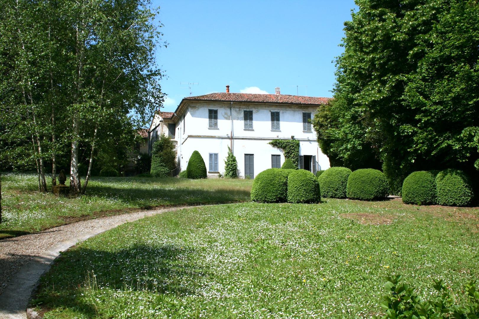 Villa Vendita Brianza Con Giardino