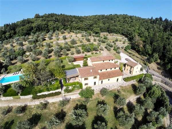 Villa di lusso in vendita a prato prato toscana for Vendita immobili di lusso milano