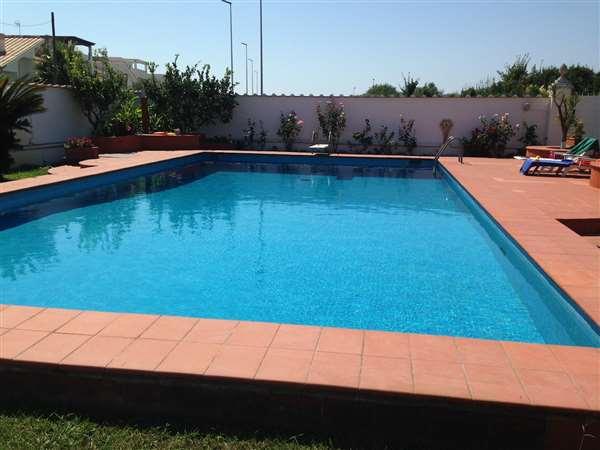 Vendita villa di lusso con piscina sul mare roma lazio italia ville casali vendita - Piscina pubblica roma ...