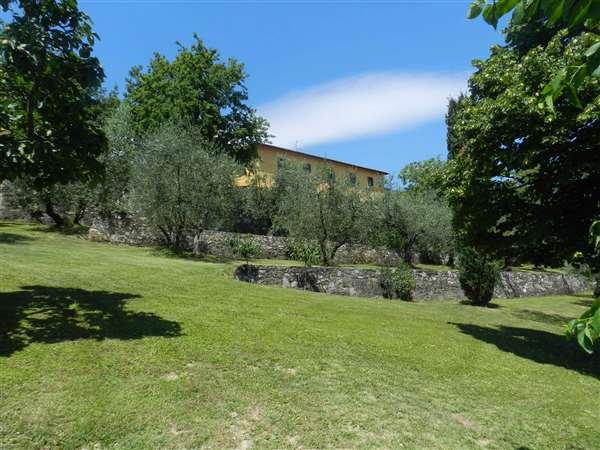 Vendita antica villa di lusso pistoia toscana italia for Vendita immobili di lusso milano
