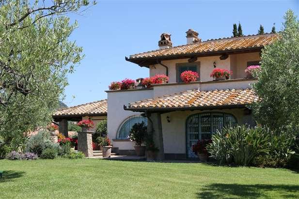 Vendita villa di lusso con piscina mare cerveteri roma for Vendita immobili di lusso milano