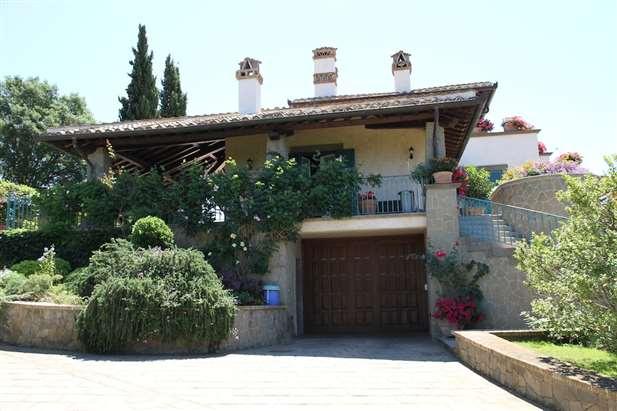 Vendita lussuosa villa sul mare tirreno roma lazio for Ville di lusso sul mare
